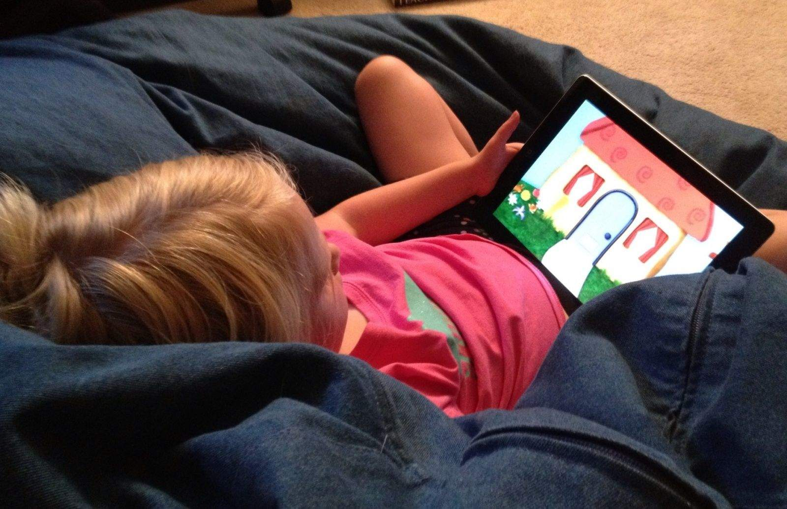 child-on-ipad