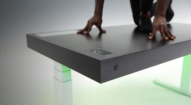 desk-dark-3