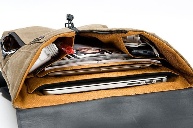 staad-backpack-slim-interior-view-with-gear