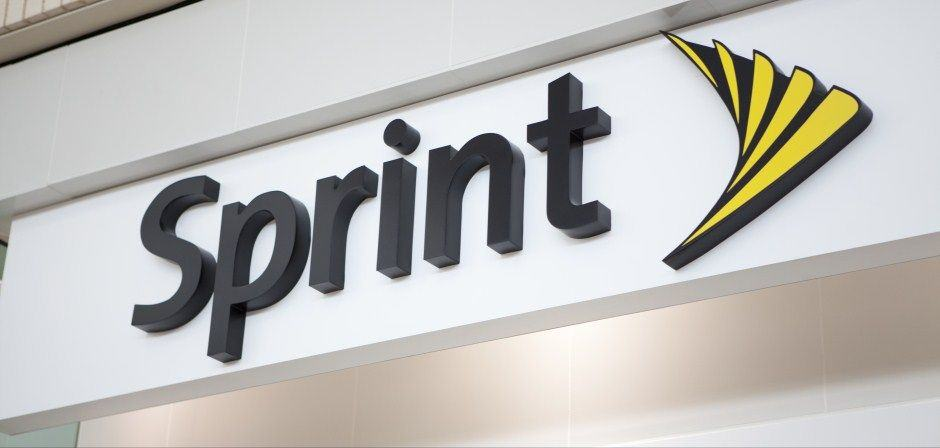 940_448_Sprint_Logo_Store_Front_6506