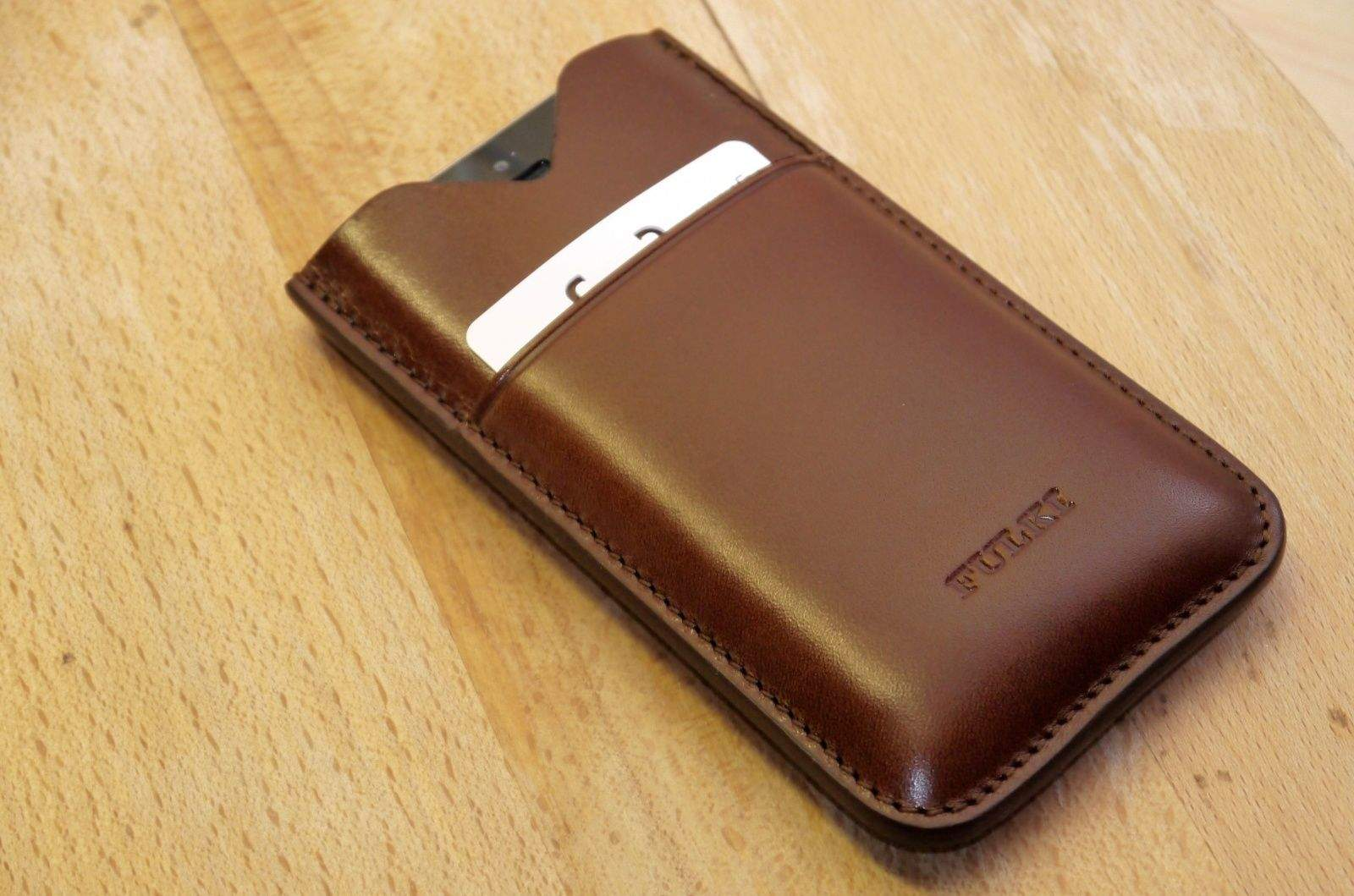 Fulki-Pocket-iPhone