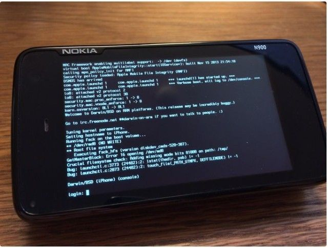 A Nokia N900 running the core of iOS and OS X, courtesy of winocm.