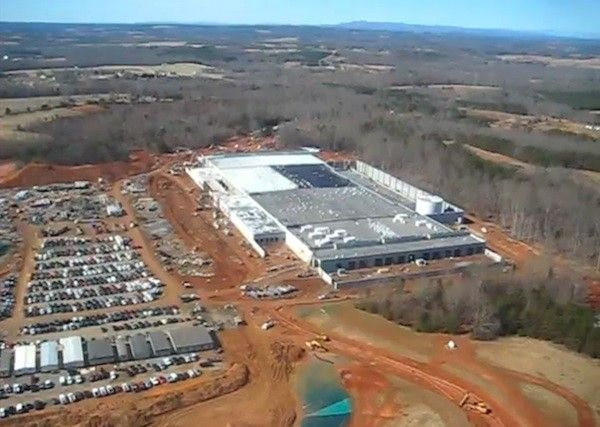 "Apple's ""big-ass"" data center in North Carolina. Photo: Engadget"