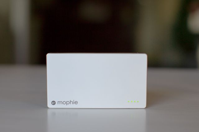 mophie-juice-pack-powerstation-1