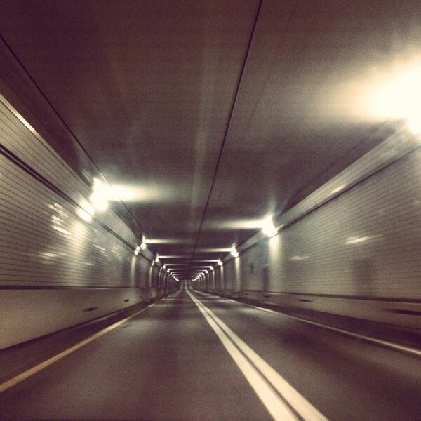 *tunnel