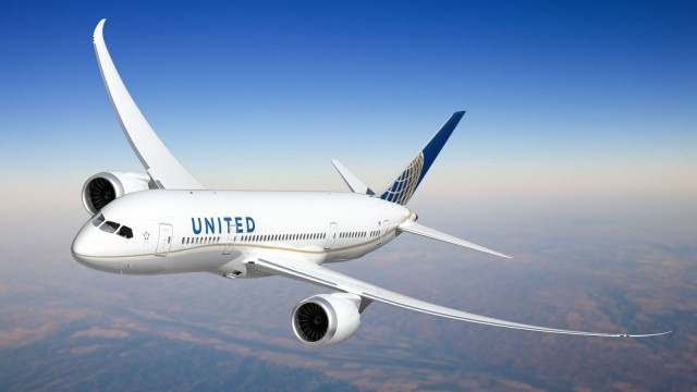 United Airlines To Provide Free In-Flight Entertainment For Apple