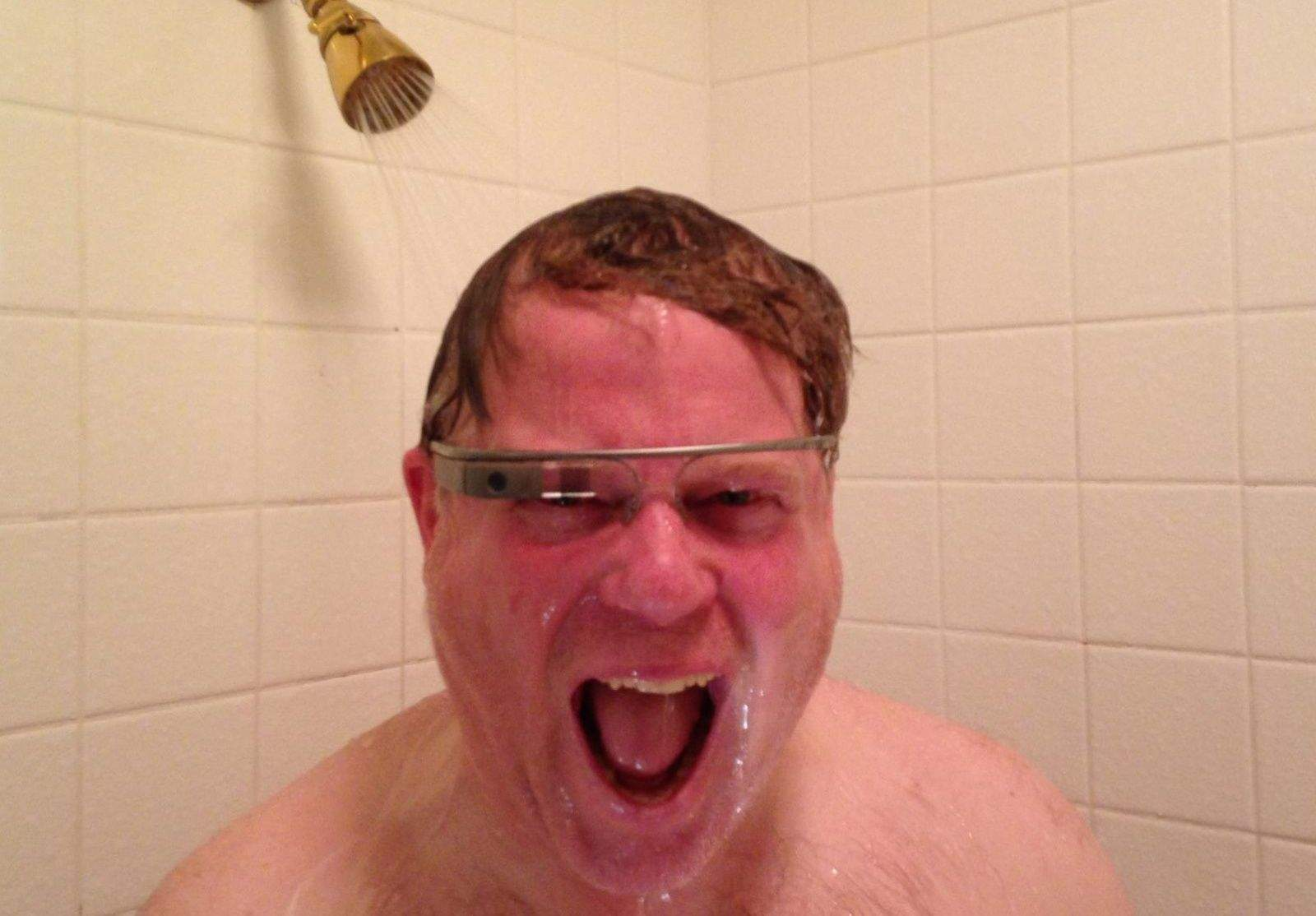 This guy claims Apple's AR headset is nearly ready.