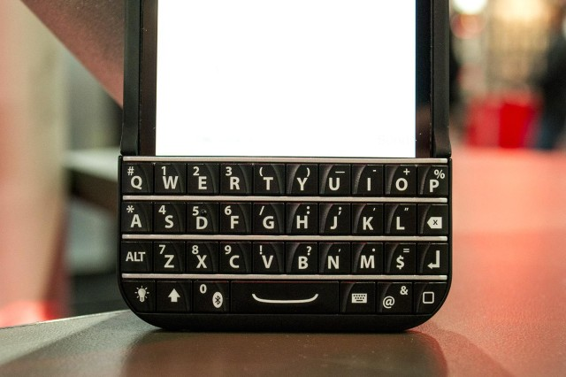 typo-iphone-5-case-review-keyboard-macro-3