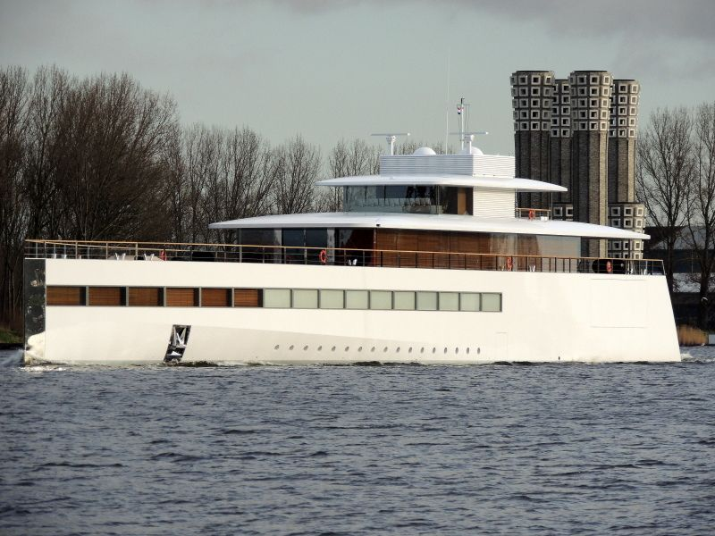 Steve Jobs' yacht was designed by Philippe Starck.