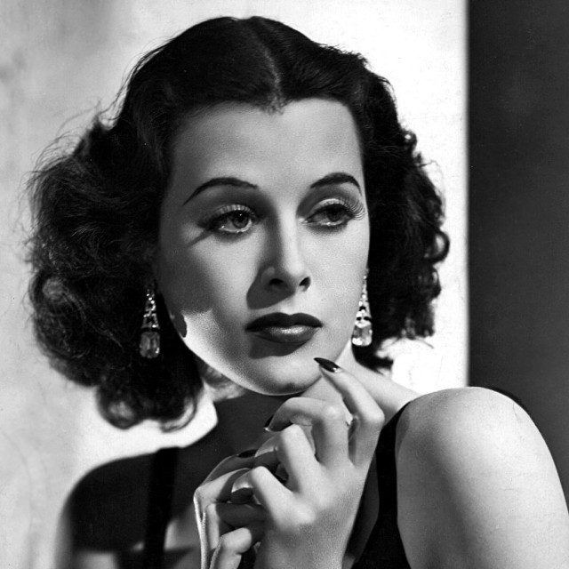 Hedy Lamarr dies at 85