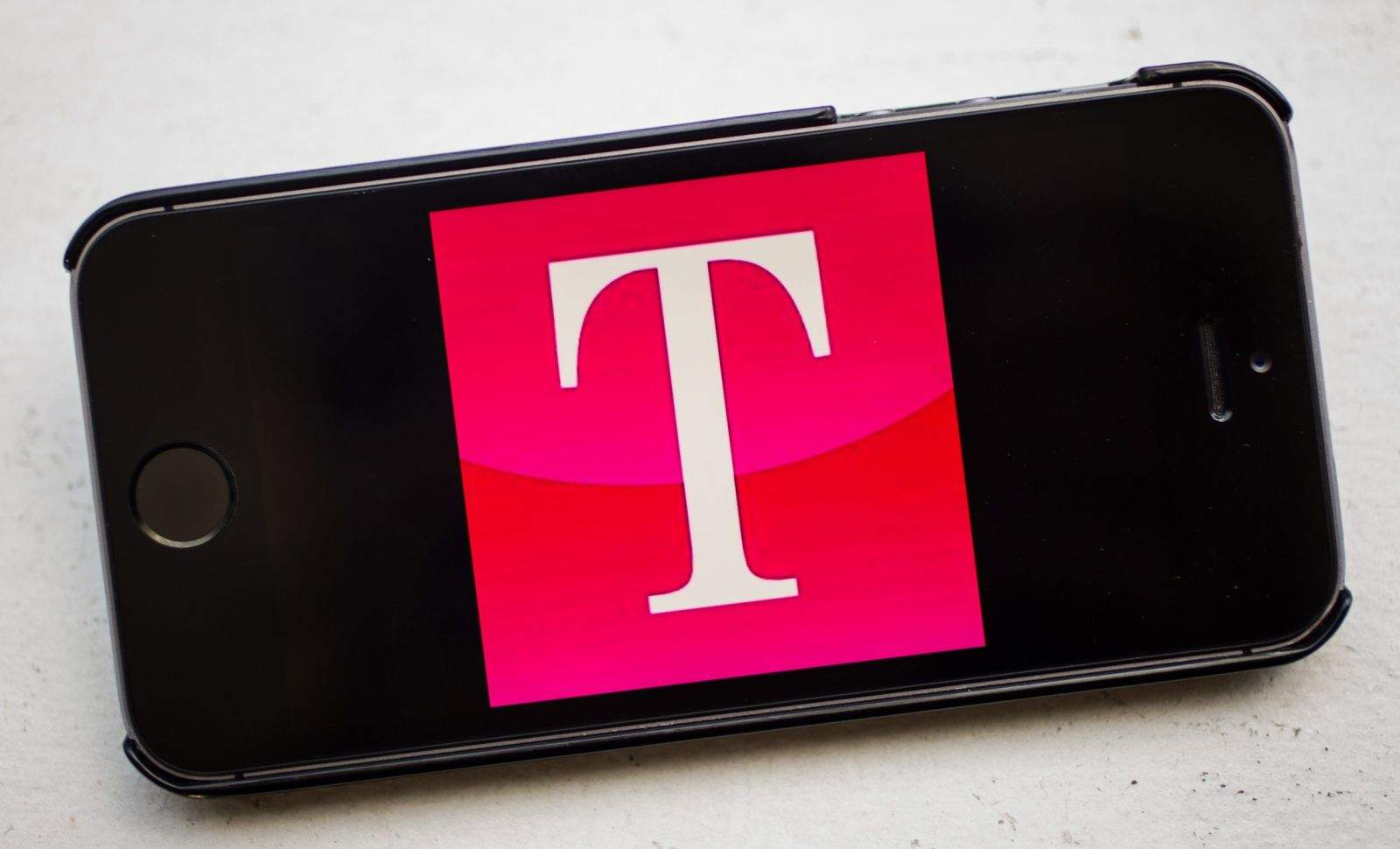 How to hack T-Mobile's breakup plan and save hundreds on an iPhone