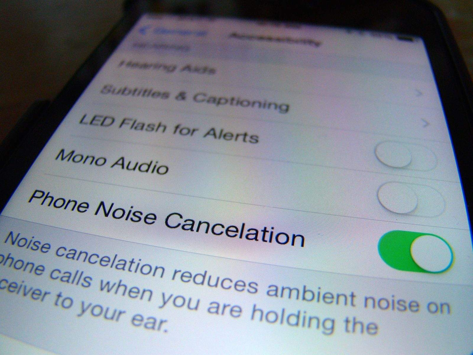 How To Disable Noise Cancellation On iPhone [iOS Tips