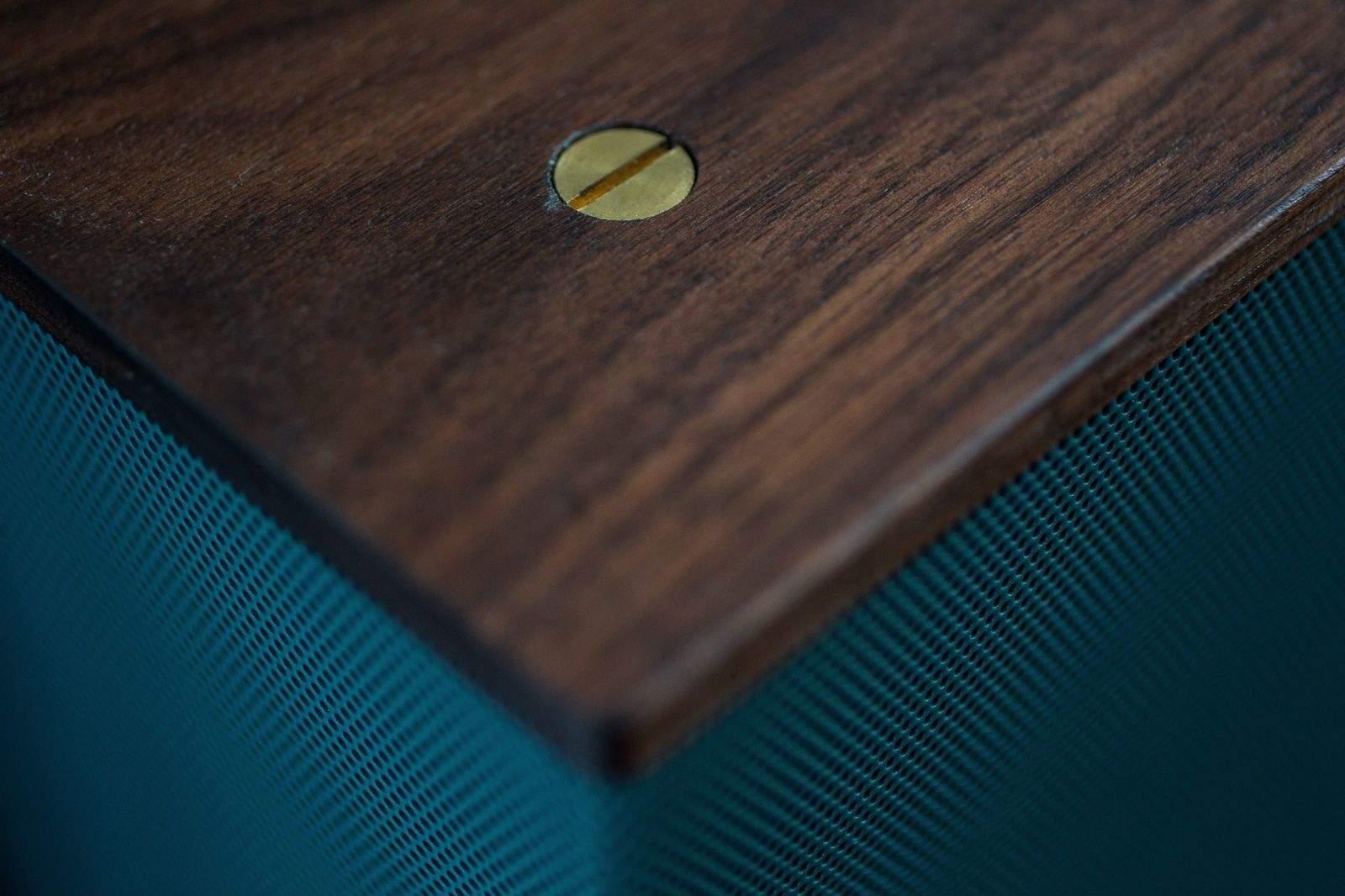 Wood Works Magic In Grain Audio S Amazing Walnut Speakers