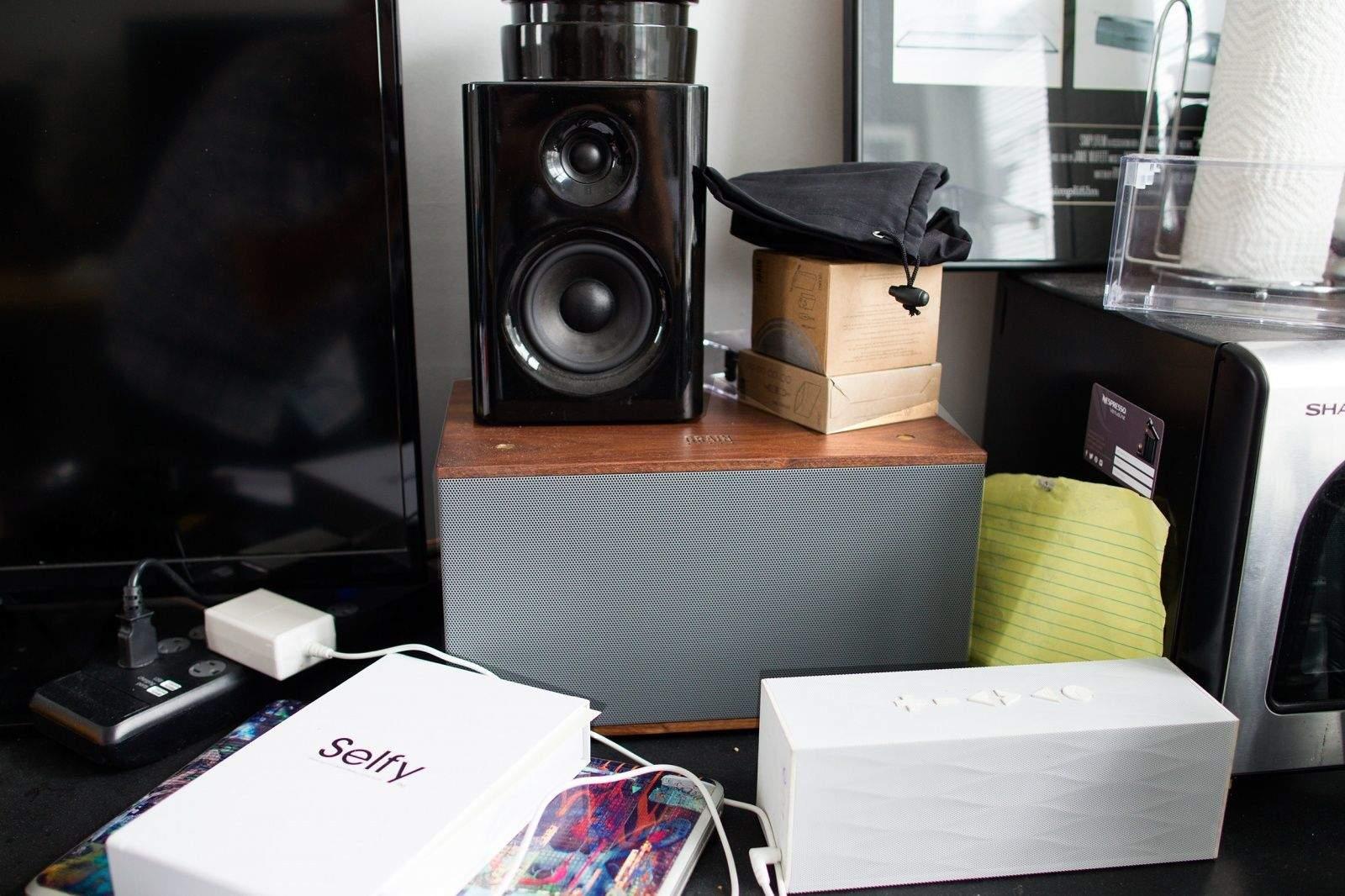 One Of Grain Audios Wooden Bookshelf Speakers Rocks The Cult Mac Offices