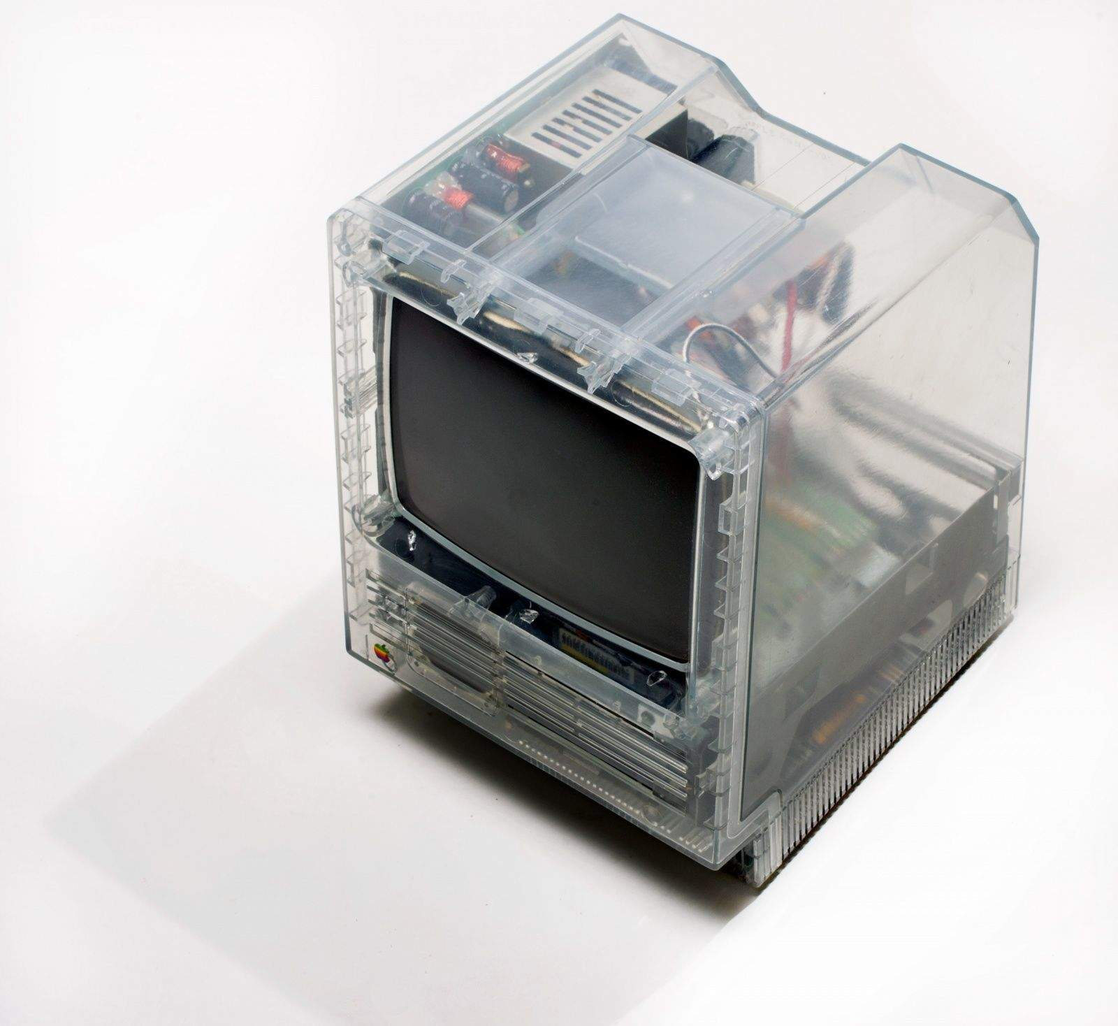 From Henry Plain's collection, this clear-sided Macintosh SE was used for engineering tests to check airflow and heat dissipation. Photo: Jim Merithew/Cult of Mac