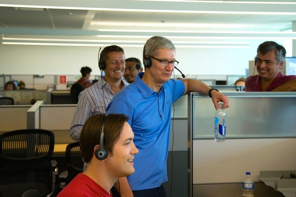 Caption Contest Tim Cook Walks Into An Applecare Center In Texas Cult Of Mac