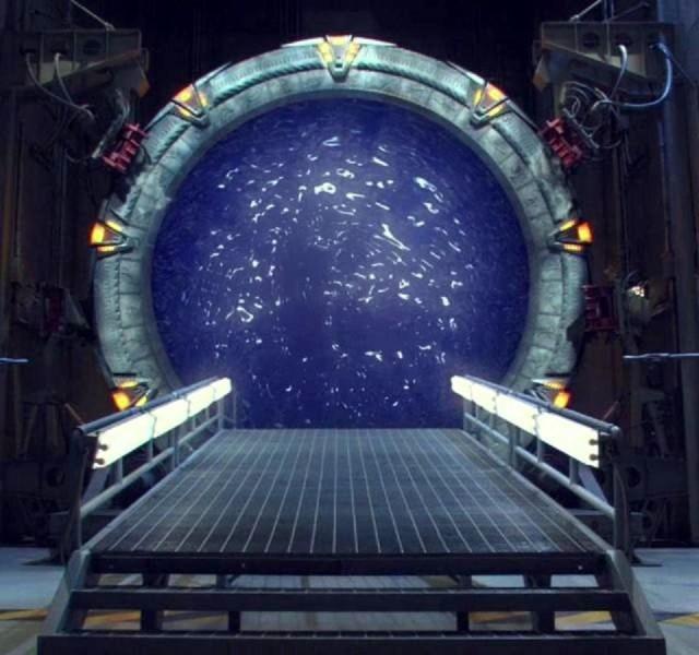 <em>Stargate</em>