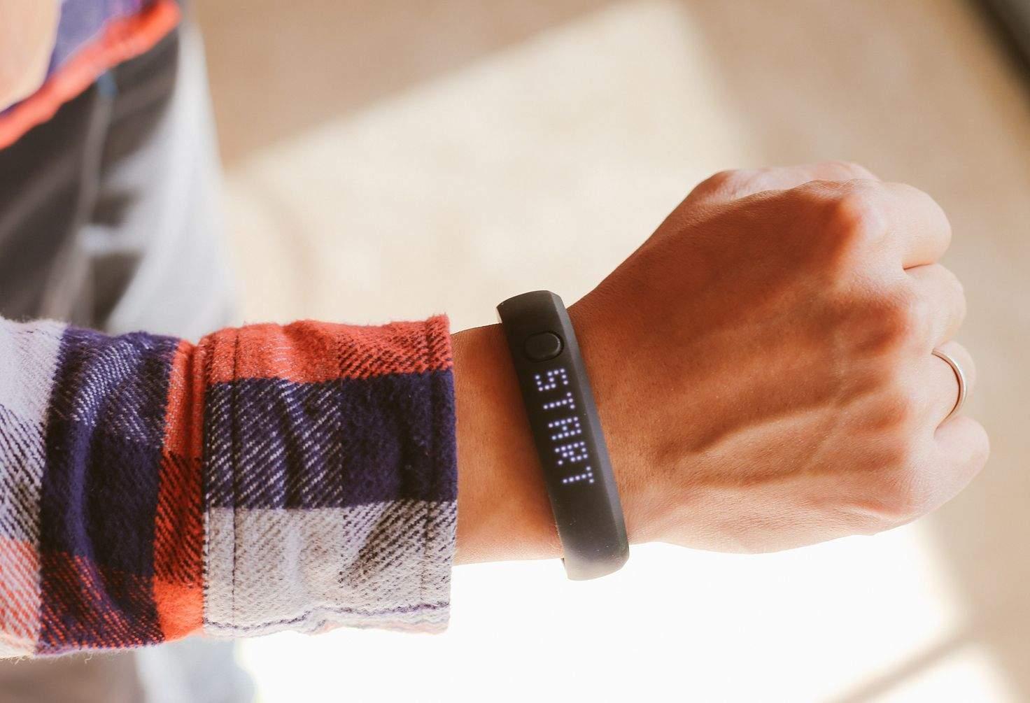 Microsoft's 11-sensor smartwatch will take on the iWatch ...