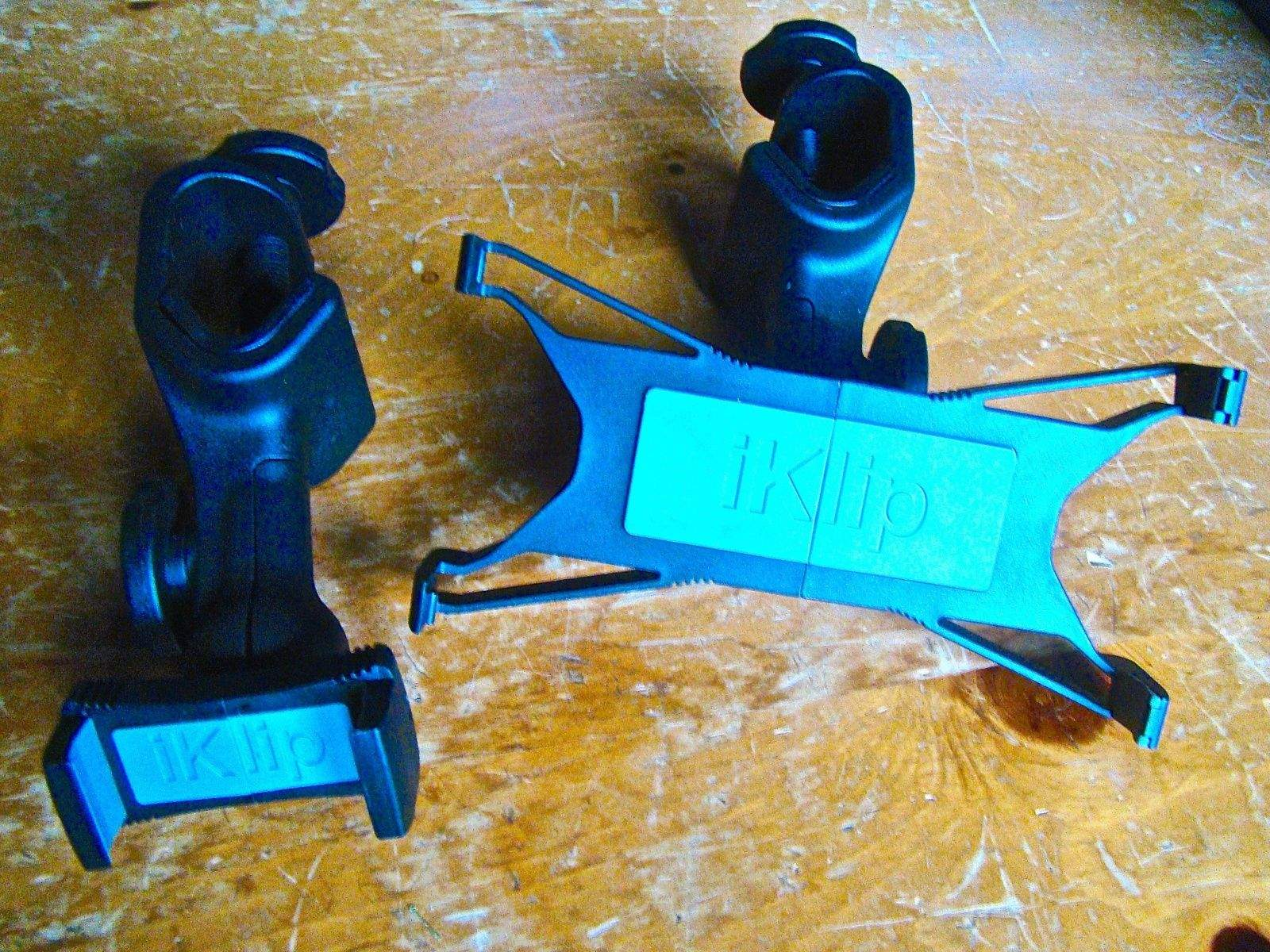 For rockers, iKlip XPand universal mic clips are essential kit
