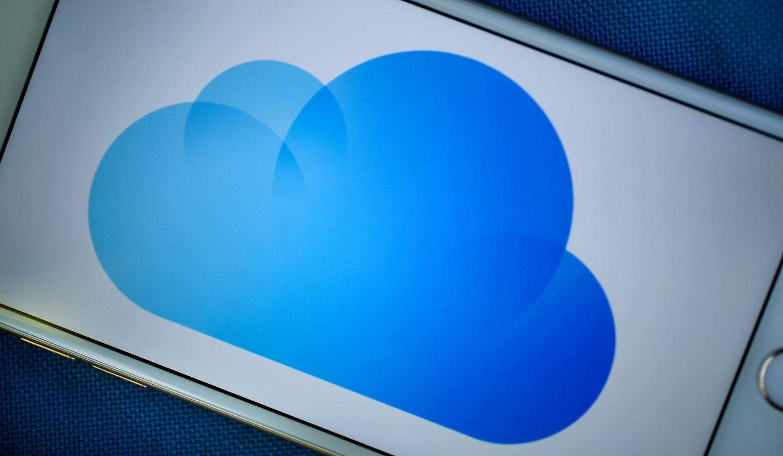 how to get photos off iphone and into icloud