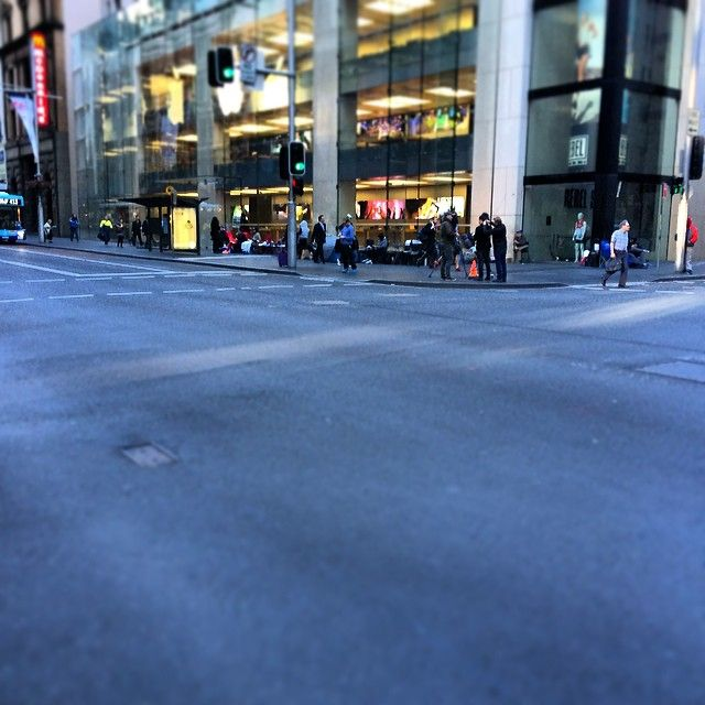 Looks warm down there, doesn't it? Good weather to wait on that iPhone 6. Photo: @mvtap