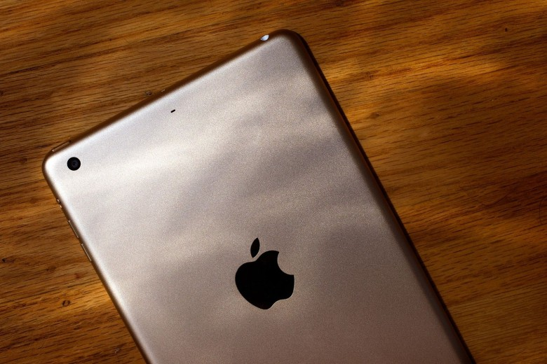 iPad sales are slowing. Photo: Jim Merithew/Cult of Mac