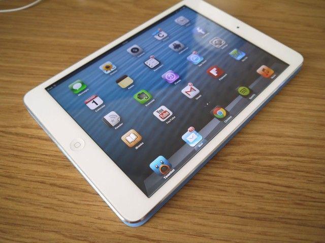 Big iPad faces small delay