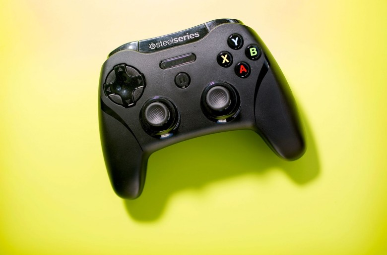SteelSeries Stratus XL Gaming Controller