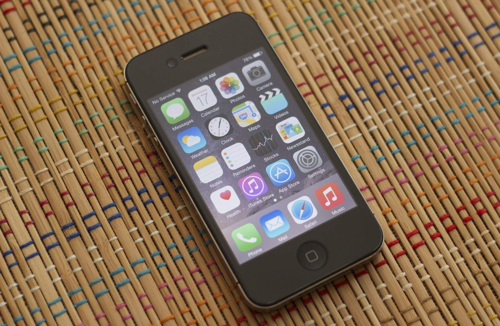 iOS 8.1.1 is still a bad choice for iPhone 4s owners. Photo: Ars Technica