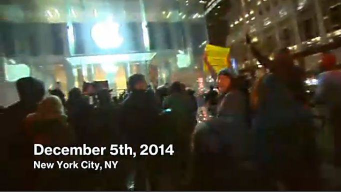 Protesters upset with the Eric Garner grand jury decision descend upon the Apple Store on Fifth Avenue in New York. Photo: MSNBC