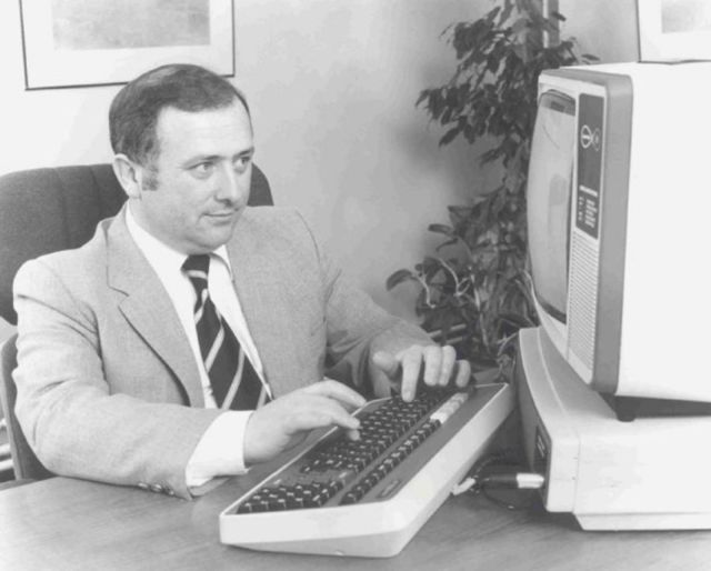 E-commerce inventor Michael Aldrich with the Teleputer. Photo courtesy of the Aldrich Archive