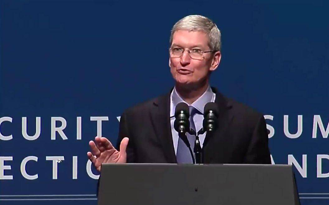 Tim Cook addresses the White House Summit on Cybersecurity and Consumer Protection. Photo: White House