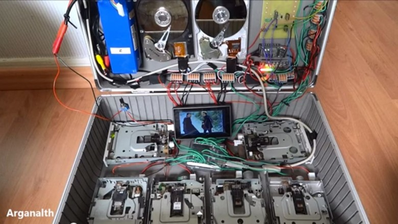 Arganalth makes music with hold floppy and hard drives. Photo: Arganalth/YouTube