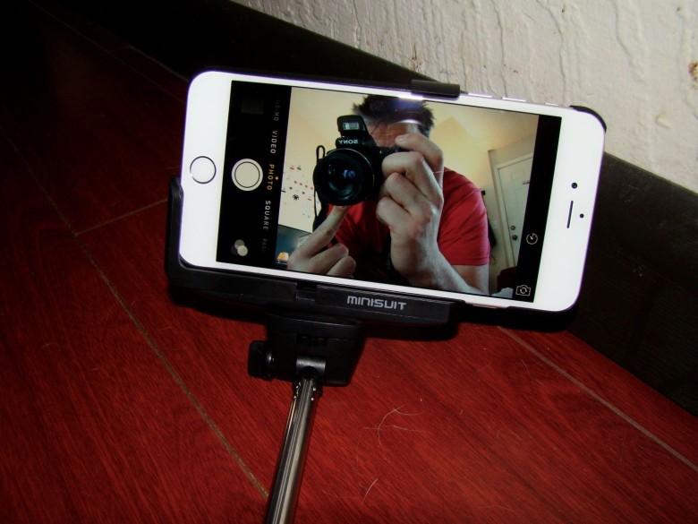 MiniSuit Selfie Stick