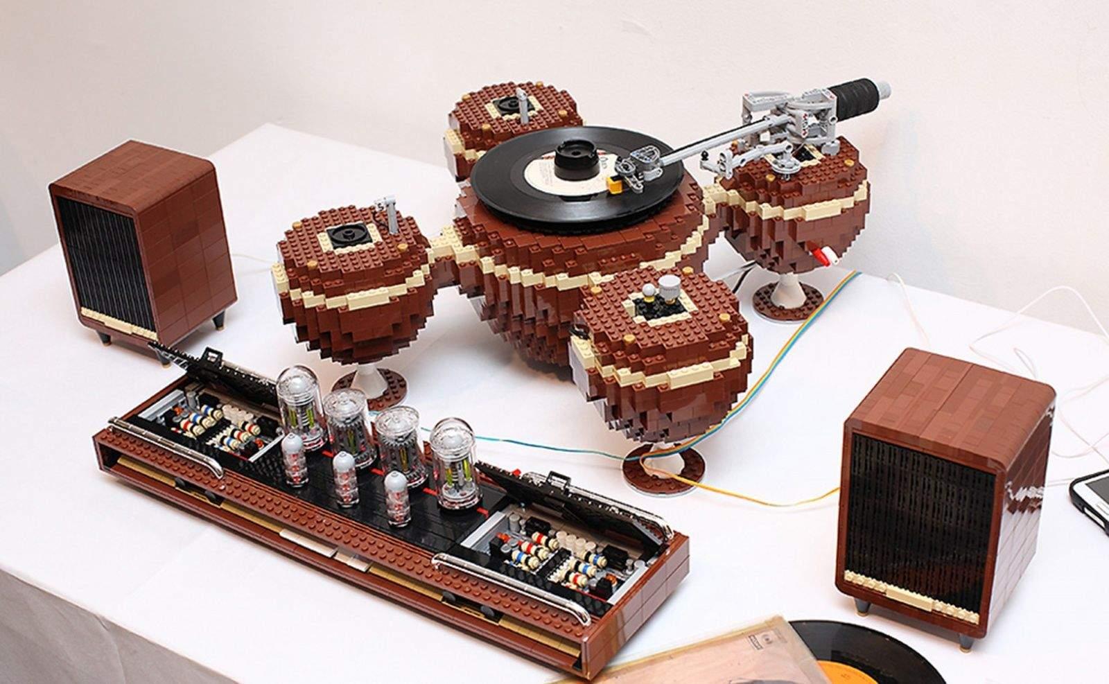 Working turntable, speakers and tube amp by LEGO artist Hayarobi. Photo: LoctiteGirl/Flickr CC