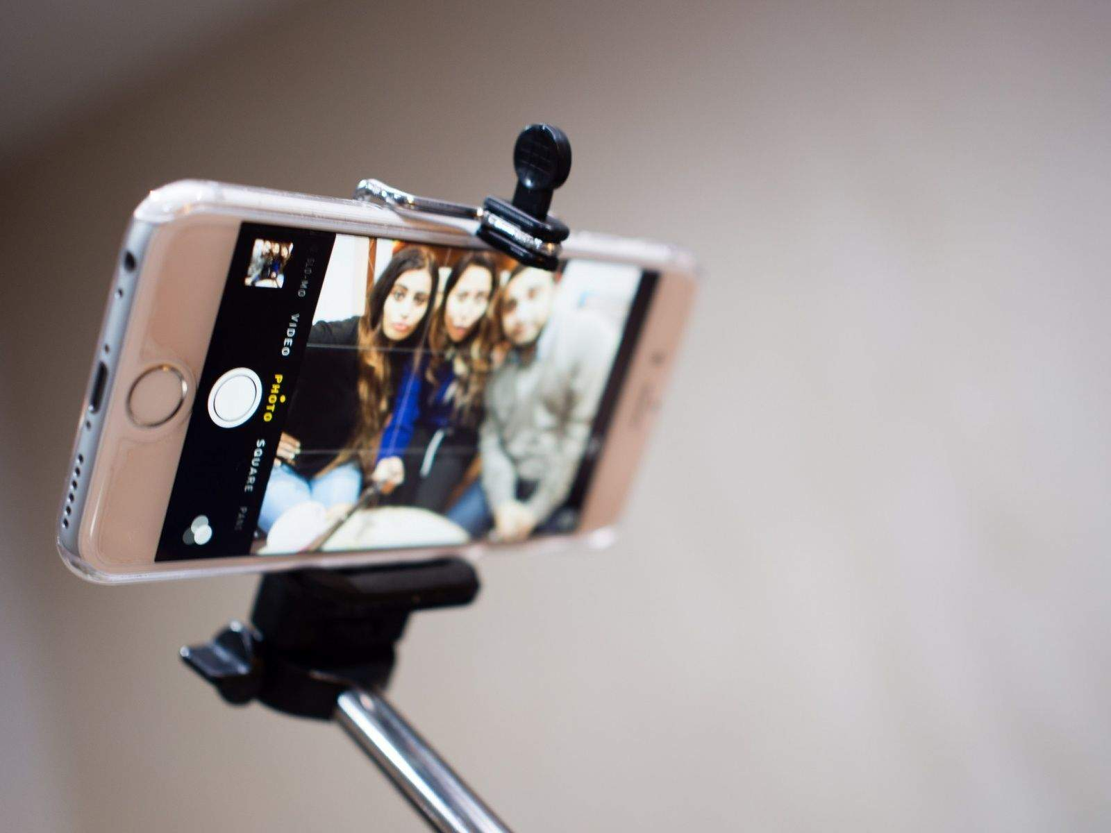 Selfie sticks aren't welcome at WWDC. Photo: R4vi/Flickr