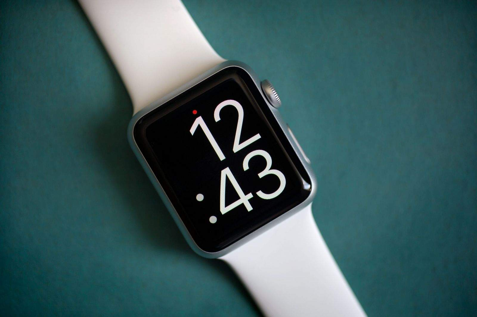 The Apple Watch is gorgeous (and comfy, too).