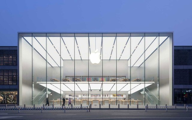 Apple is growing like a weed in China. Apple's retail stores have always been attractive places, but their newest store in the West Lake shopping center in Hangzhou, China, is more than attractive: it's gorgeous. Credit: Apple