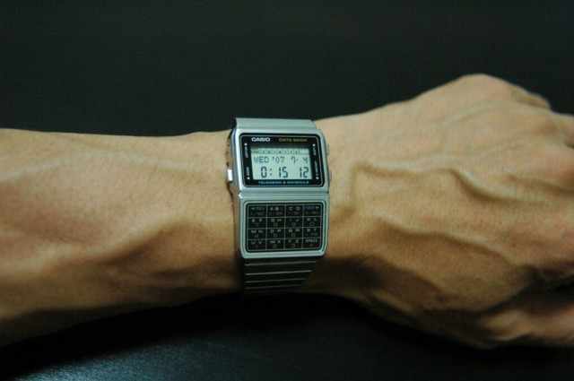 Casio's Data Bank watches could store names and telephone numbers. Photo: Takeso178