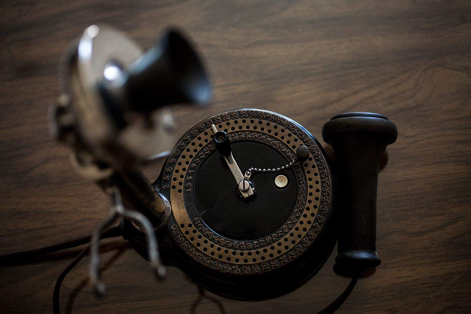 This primitive dial phone was built by Western Electric in 1902 for communities too small for a fulltime operator service. Photo: David Pierini/Cult of Mac