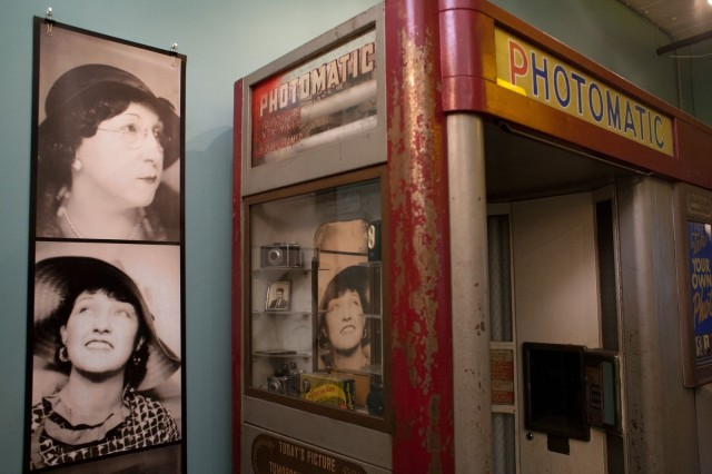 A & A Studios in Chicago restores old chemical photo booths and builds new digital ones. Photo: David Pieirni/Cult of Mac