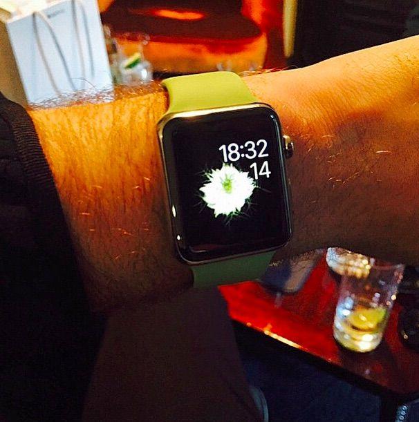 sam-smith-apple-watch