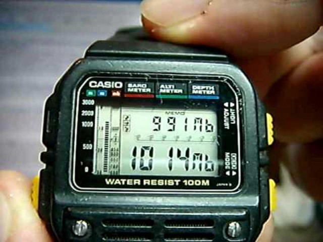 Sensors in this Casio watch could indicate if the weather was getting better or worse. Photo: YouTube