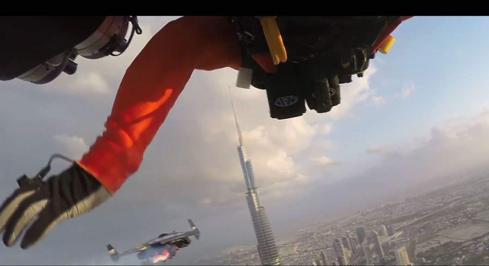 Jetman Yves Rossy and his new stuntman sidekick Vince Reffet fly in formation over Dubai. Photo: XDubai/YouTube