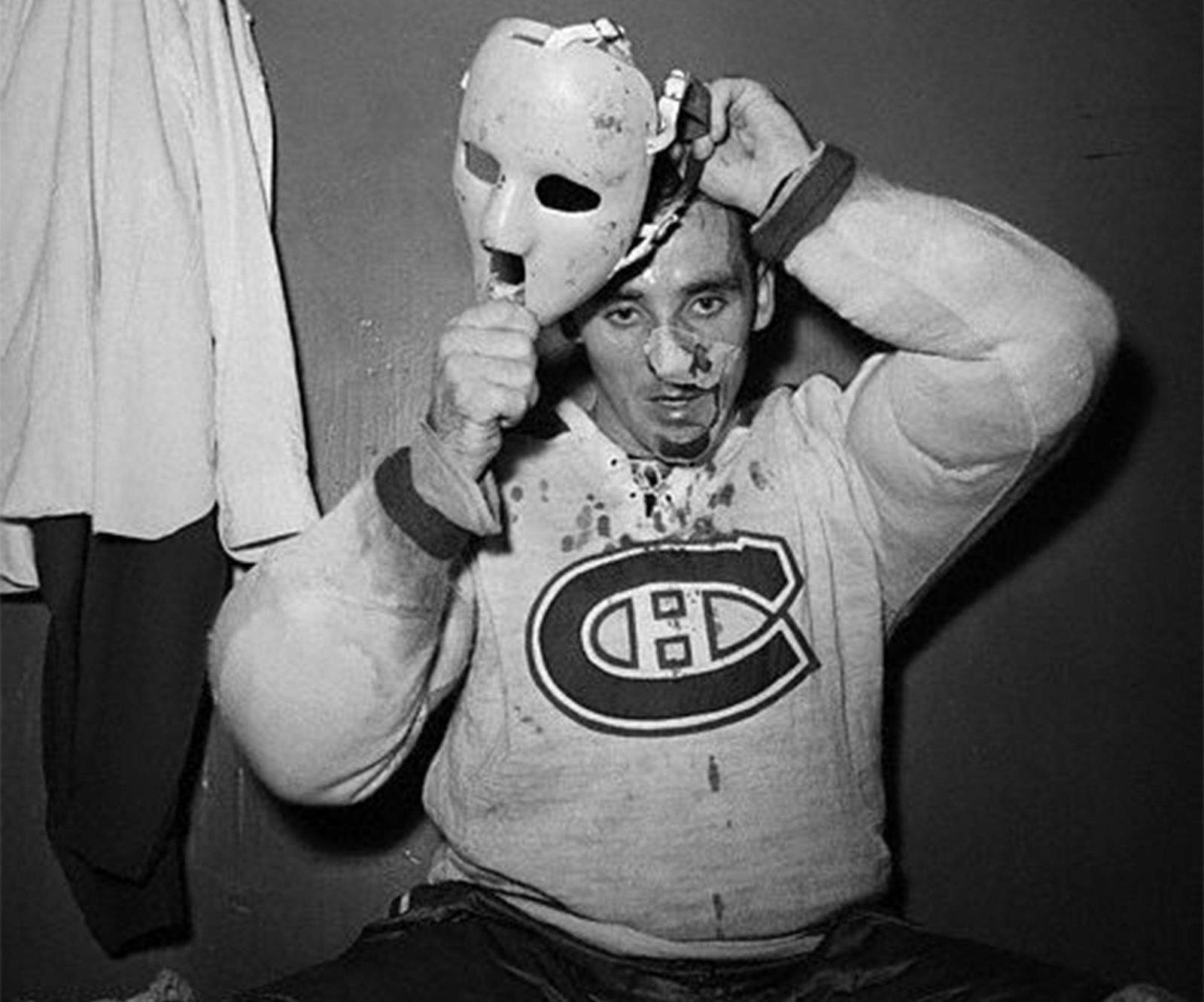 Jacques Plante made history in 1959 when refused to play after a facial injury without a protective mask.