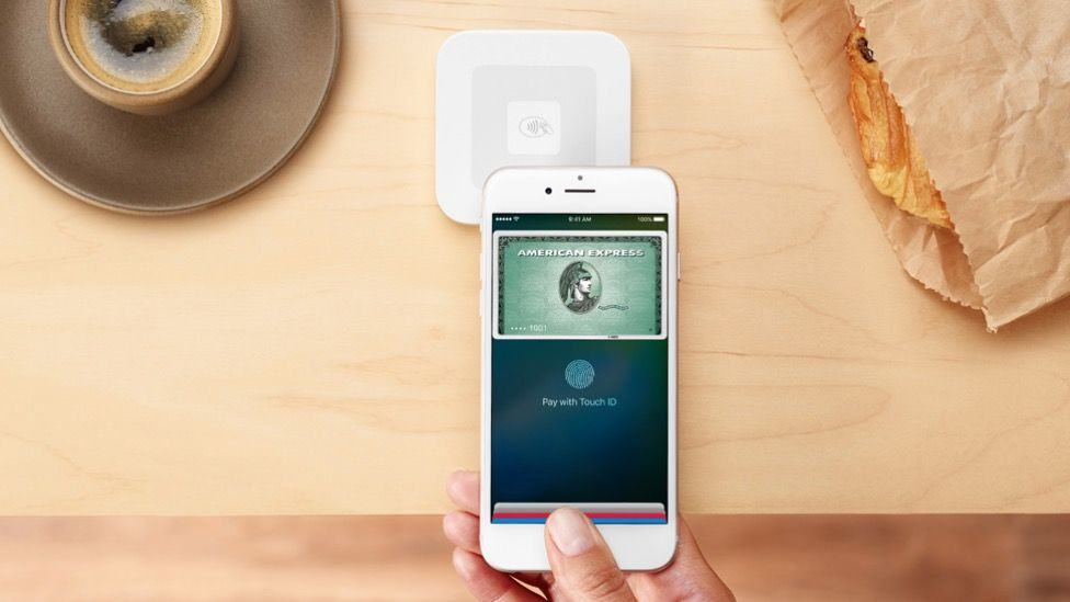 Square's contactless payments reader is here.