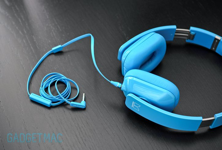 monster-blue-headphones-beats-apple-competition