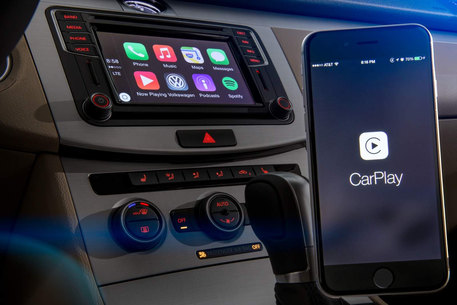 VW's 2016 lineup is rolling deep with CarPlay.