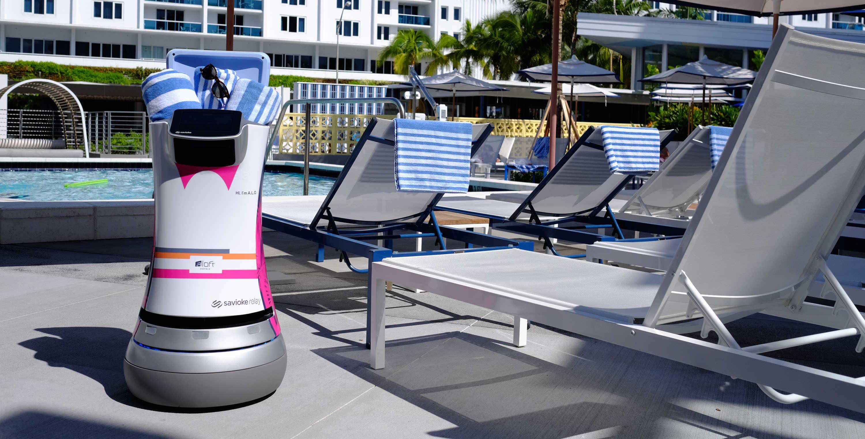 Botlr hotel robot Aloft