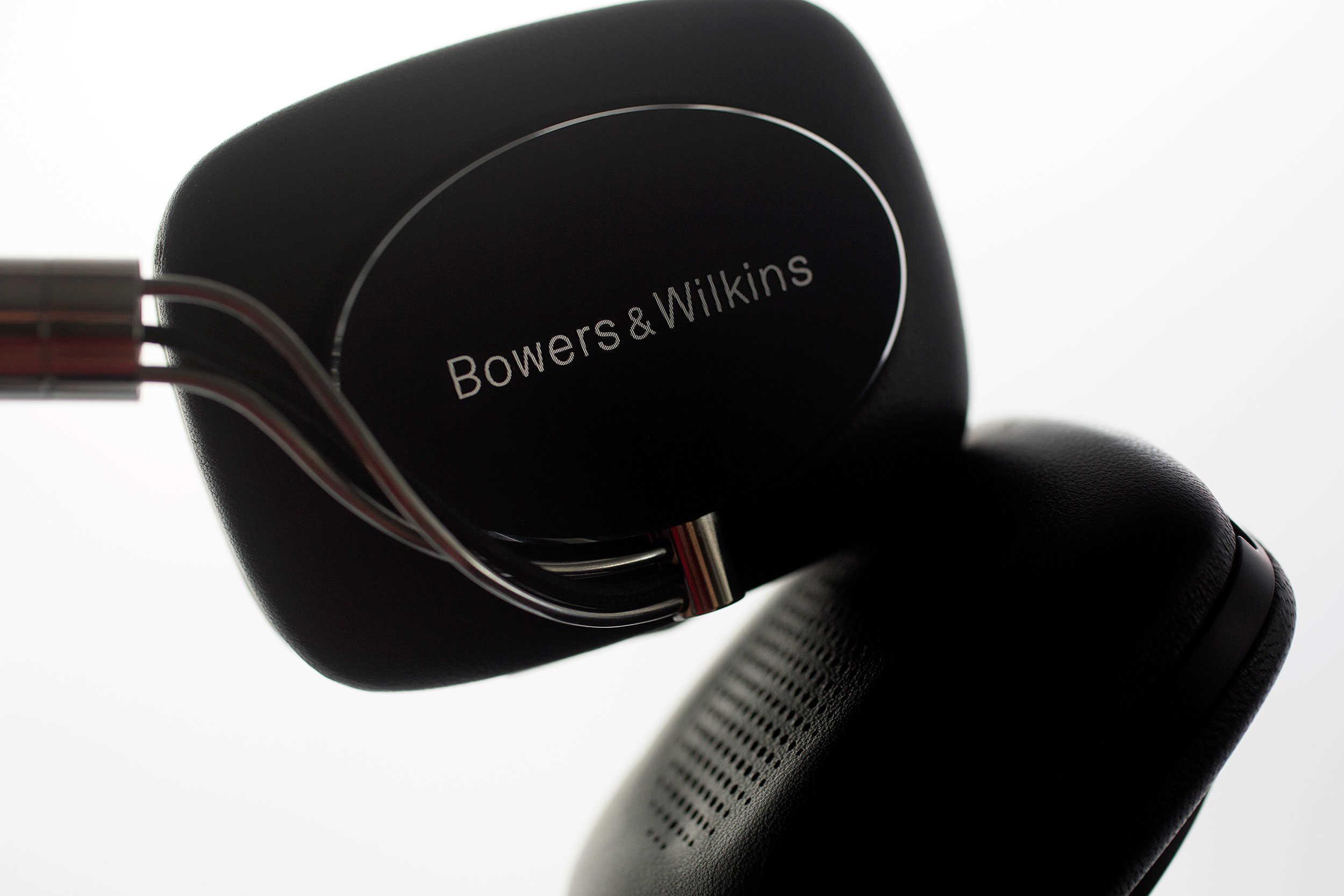 Bowers & Wilkins' P5 Wireless headphones make us believe in Bluetooth.